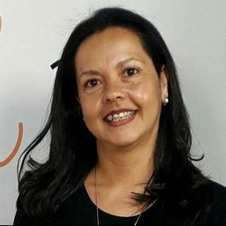Léia Leite (Tina)